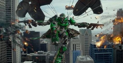 Transformers 4 a Drak 2 s prevahou vládnu našim kinám