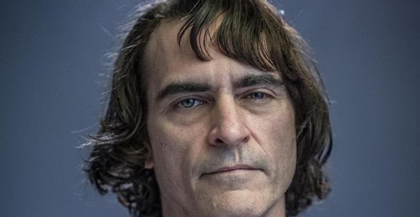 Prvý pohľad na Joaquina Phoenixa ako nového Jokera