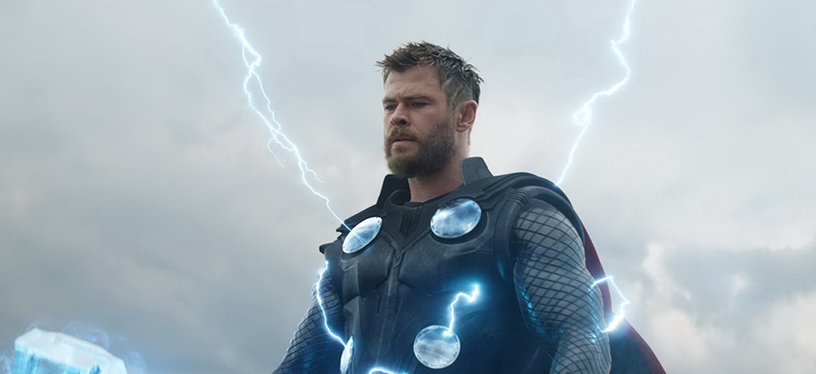Chris Hemsworth si zahrá v akčnej komédii