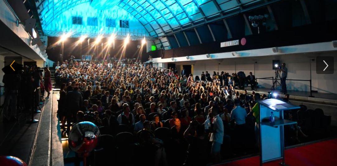 V Košiciach začal Art Film Fest, Hercovou misiou ocenil Romana Luknára
